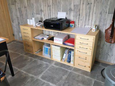 書類棚を作ってもらいました!